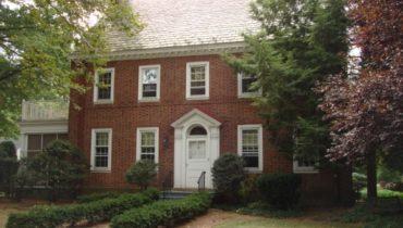 820 Roanoke Avenue, Elizabeth, New Jersey 07208