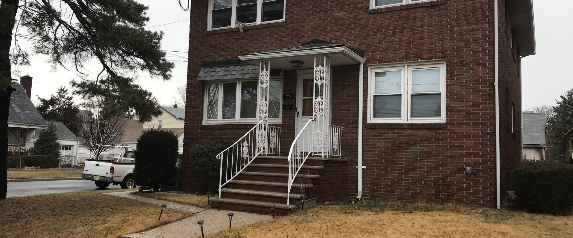 850 Seymour Ave, Linden, NJ 07036